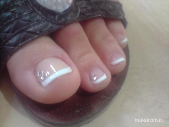 szigyarto izabella - mani tip lábra - 2011-08-11 20:27